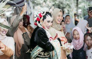 Panitia pernikahan memiliki peranan penting dalam sukses & lancarnya acara pernikahan